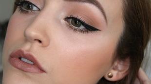 Макияж для брюнеток к синему платью, красивый макияж для серых глаз