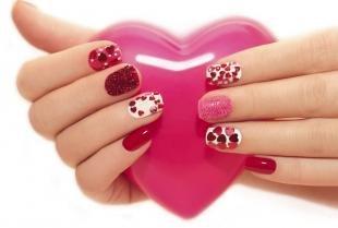 Красный маникюр, маникюр с сердечками на 14 февраля