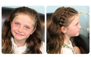 Детские прически на выпускной, прическа в школу с волнистыми волосами и плетением