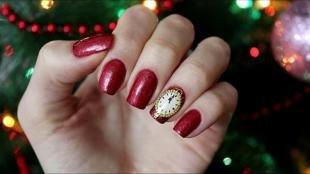 Рисунки на красных ногтях, красный новогодний маникюр