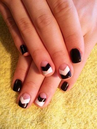 Черно-белый дизайн ногтей, черно-белый маникюр с помощью скотча