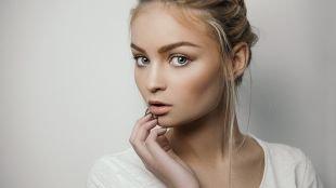 Дневной макияж для серых глаз, естественный макияж для блонднок