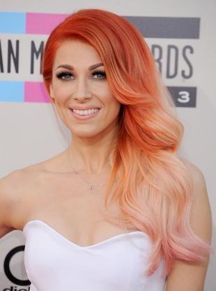 Ярко рыжий цвет волос, яркое омбре-окрашивание для рыжих волос