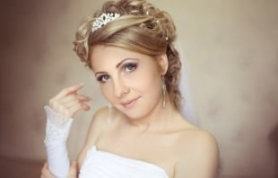 Свадебные прически с фатой, свадебная прическа