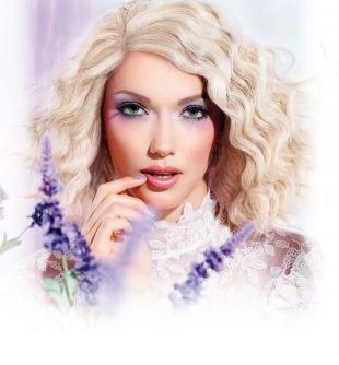 Яркий макияж для зеленых глаз, весенний макияж для блондинок