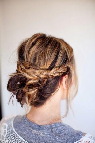 Свадебные прически с косой, быстрая прическа с пучком и косами