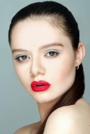 Белый макияж, макияж для девушек с крупными чертами лица