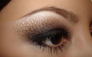 Темный макияж для брюнеток, блистательный восточный макияж