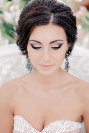 Макияж для коричневых глаз, дымчатый свадебный макияж для брюнетки
