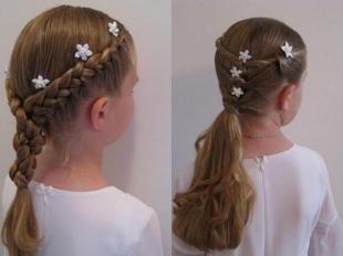 Натурально русый цвет волос, прическа на новый год для девочки