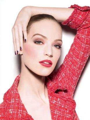Вечерний макияж под красное платье, весенний макияж на работу