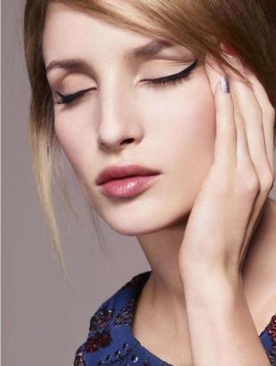 Деловой макияж, макияж со стрелками для глубоко посаженных глаз