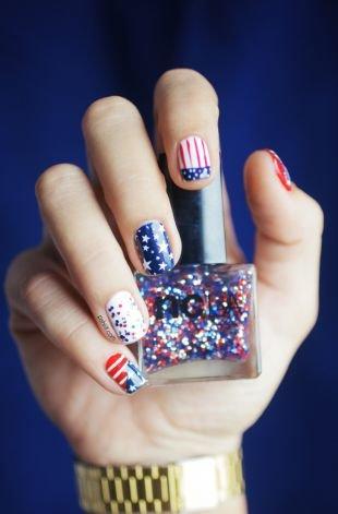 "Рисунки с полосками на ногтях, ""американский флаг"" на коротких ногтях"