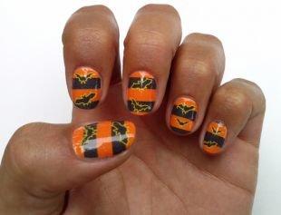 Черный дизайн ногтей, оранжево-черный маникюр с рисунками летучих мышей