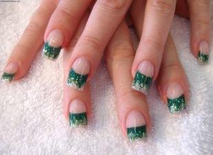 Зеленый маникюр, серебристо-зеленый френч
