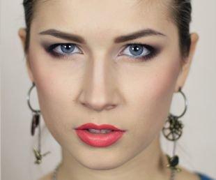 Макияж для голубых глаз и русых волос, замечательный макияж для нависшего века