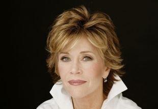 Светло коричневый цвет волос на средние волосы, короткая стрижка для женщин после 40 лет с короткой макушкой