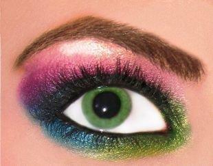Авангардный макияж, разноцветный вечерний макияж зеленых глаз