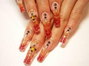 Красный френч, рыжий маникюр с декором на нарощенных ногтях