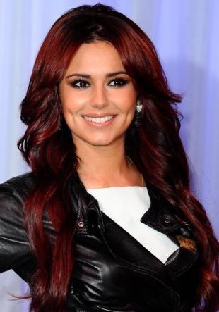 Цвет волос красное дерево, вишневый цвет волос