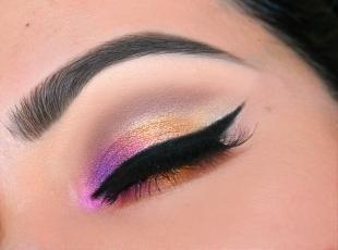 Макияж на свидание, разноцветный праздничный макияж глаз