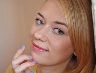 Нежный макияж, легкий макияж для девушек с веснушками