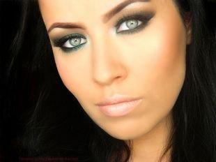 Макияж для узких глаз, макияж на последний звонок для зеленоглазых девушек