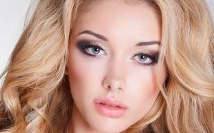 Яркий макияж для серых глаз, дымчатый макияж для серых глаз - блондинки