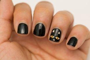 Рисунки с животными на ногтях, черный маникюр с кошечкой
