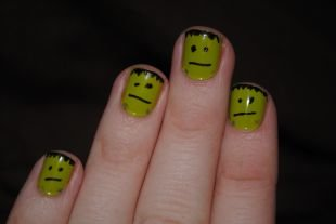 Рисунки смайлики на ногтях, маникюр с франкенштейном